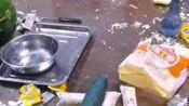 这真是高手,西瓜上居然雕出二维码,想拍照直接扫出来了!厉害了