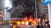 【安徽】蚌埠铁道大酒店附近突发大火 现场发生多次爆鸣