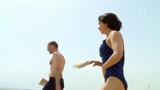 金星汉斯在死海游泳,身穿比基尼的金姐,身材太惹火