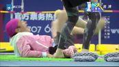 奔跑吧兄弟:王祖蓝竟踩在蔡少芬的头上,娘娘成了女汉子,厉害了