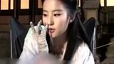 刘亦菲《神雕侠侣》片场花絮,女神就是女神,简直太可爱了!