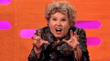 伊梅尔达·斯汤顿和一只老鼠节目上进行了一场现场二重唱