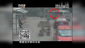 交警设卡常规检查,面包车却开始疯狂逃窜,追捕视频记录过程!