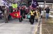 加拿大抗议者堵塞美加大桥 特鲁多忙取消外访