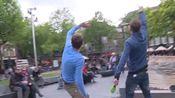 DumpertTV doet een dansje met Nathan de danser