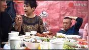 在吉林通化,同学聚会正在进行,同学的媳妇来了