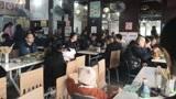 成都开了26年的老面馆,每碗18元日卖1000多碗!去晚差点没有吃上