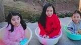 连生三个女儿却要养在盆子里,妈妈竟冒险生四胎,网友:害了后代