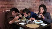 暗战:香港人的午餐时间都吃的这么高级和丰盛的吗?网友:有钱真好。
