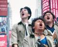 唐人街探案2:秦风三人大闹唐人街,被大屏幕滚动播放,太有排面