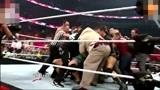 WWE约翰塞纳和布洛克·莱斯纳吵了起来 运动员也拉不住
