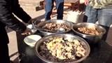 这才叫过年!云南峨山彝族山村过年杀猪饭 很有民族特色