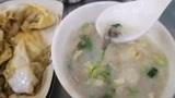 广州特色美食早餐:鸡蛋肠粉、艇仔粥