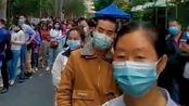 全部是来深圳的湖北老乡在排队做核酸检测