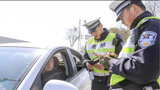 交警提醒:行驶证和驾驶证尽量不要放在车内!网友:为啥不早说?