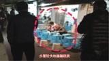 肖战回重庆蹲路边吃早餐带火面馆,粉丝向老板求购肖战碗筷
