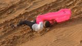 假如从50米高跳到沙丘中,存活几率有多大?看完涨知识了