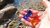 老外意外捡到一堆石头,冲洗干净之后才发现幸运女神降临了