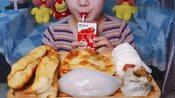 中国吃播:早餐集来也,油条+烧卖+鲜肉馅饼+肠仔包+金包银