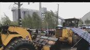 [新闻午报-山西]吕梁:货车故障卡铁道 火车撞上避不及