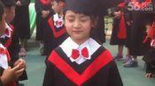 森蝶幼儿园毕业穿小学士服 被赞:最美毕业生20140605