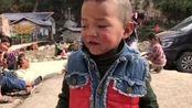 大凉山的留守儿童,很多从出生到现在都没有洗过一次澡