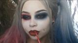 美妆:女子化妆打扮成哈莉奎茵,有谁能解释一下嘴上的铁球怎么弄