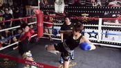 【澳狮成年人职业泰拳赛】(112lbs)Nicky vs 董少荺