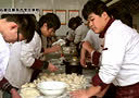鹿泉最好的厨师学校:石家庄新东方烹饪学校《冬至煮饺子》