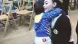 谢霆锋张柏芝儿子lucas模仿迈克杰克逊,舞姿一级棒,宝宝太可爱了!
