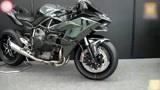 川崎重工创立120周年纪念展上的Kawasaki Ninja H2R摩托车