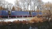 吉林市北山公园的拉货火车,有49节长,儿子数的很开心。