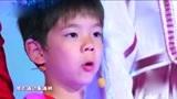 杜江霍思燕一家合唱《你笑起来真好看》,嗯哼一开口网友心都甜化了!