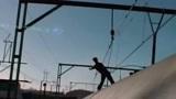 世界上最危险的铁路,它得名于一群玩极限的大男孩,火车冲浪!