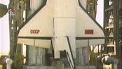 """1987年5月15日,苏联能源号重型运载火箭发射""""极地一号"""" 长37米,直径4.1米,重约80吨。"""