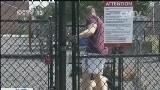 """[视频]美国修建""""狗公园"""" 破解宠物扰民"""