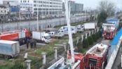 安徽安庆:食品厂突发大火 消防紧急扑救