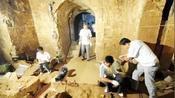 """千年古墓出现200颗""""仙丹"""",化验结果是什么,专家感到不可思议"""