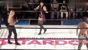 女子摔角,两位欧美老姐踢馆日本摔角,美女臂膀肌肉结实