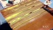 原来木桌子上的花纹是这样制作出来的,有些意外!