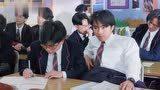 星爷放出豪言壮志绝不再罚站,谁料老师突击考试,吓得他摔到桌下