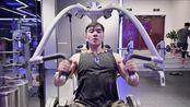 健美比赛运动员Gary运动健身日常视频剪辑,BGM:Monster 2.0- Jacob Banks 冬天继续撸铁