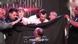 克劳福德、霍恩称重结束,WBO拳王争霸赛明天开打!