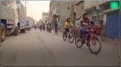 国际妇女节:巴基斯坦女性单车队挑战性别成见