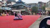 VLOG:自贡小伙国庆节去东方广场逛街,下雨天人还是那么多!