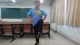 3组強化膝关节韧带锻炼的提膝下蹬动作