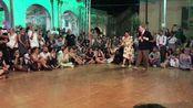 Lindy Hop, improvisació. Nils Andren & Bianca Locatelli ballant Jive at Five - C