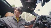 【孔刘】实践检验FLEX:倒车最基本的一点,手要随意搭在旁边的座椅上,那样她们才会喜欢