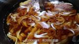 青岛任性小吃店,一大锅炸40斤猪肉,炼出7斤脂渣,85元一斤真香
