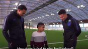 Trent Alexander Arnold and Jadon Sancho attempt blind football!阿诺德和桑乔不敌视力障碍的小朋友!